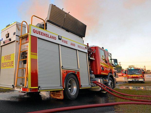 Firefighters battle bushfire at Elimbah