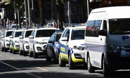Crowds defy Victoria cathedral terror threat
