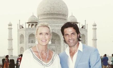 Olympian swimmer Lisa Curry and Mark Tabone on Indian honeymoon