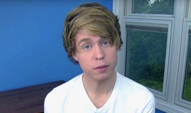 YouTube U-turn over child abuse singer