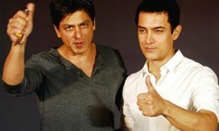 When Aamir Khan Carried his own food to a Party at Shah Rukh Khan's house Watch hilarious Video