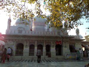 Mansa Devi temple - main shrine Courtesy Barthateslisa-WikiMedia Commons