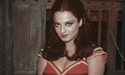 Happy Birthday Rekha: 15 Rare Pictures of Bollywood's Timeless Beauty