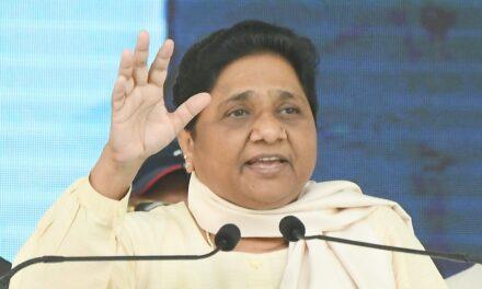 Mayawati Aims Barbs at Priyanka, Gehlot Over Infant Deaths