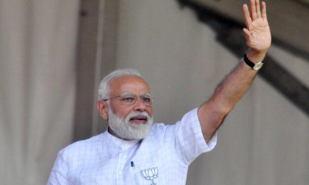 Modi Remembers His Guru Ahead Of His Bengal Visit
