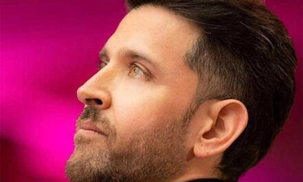 Hrithik Roshan Shares A Nice Picture Of Himself, Asks Us To keep Hope Alive