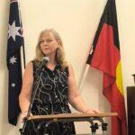 Cr Angela Owen speaking on the occasion
