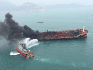 CHINA-HONG KONG-LAMMA ISLAND-OIL TANKER BLAZE (CN)