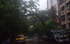 Heavy rains cyclonic storm Amphan lash Kolkata