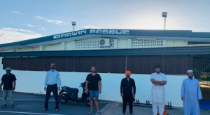 Darwin's Sikh food charity helps Muslims
