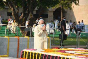 PM, Prez pay tributes to Mahatma Gandhi on his 151 birth anniversary