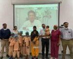 Tendulkar presents 'Gift of Life' certificates to 10 kids
